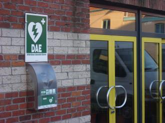 Panneau extérieur signalisation défibrillateur